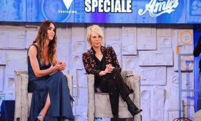 Foto Silvia Toffanin e Maria De Filippi, insieme negli studi di Amici per lo speciale di Verissimo