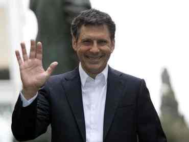 Palinsesti Rai: Carlo Conti piange per Fabrizio Frizzi
