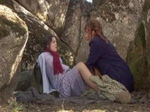 il segreto, marcela partorisce nel bosco