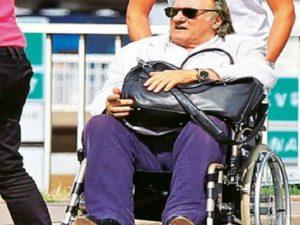 gerard depardieu sedia a rotelle