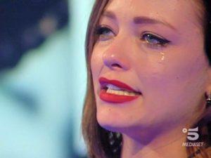 Silvia Provvedi piange