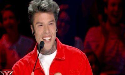 Fedez giacca rossa