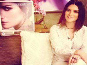 laura pausini difende fan italiani