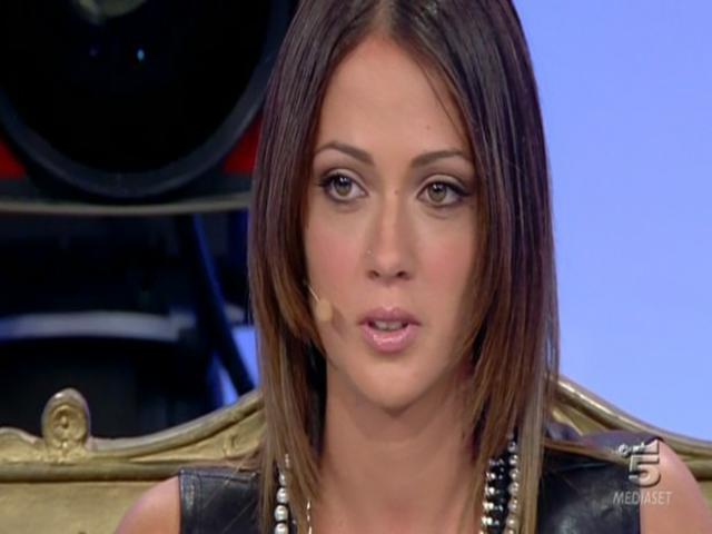 """Teresa Cilia sgancia la bomba: """"Raffaella sa delle persone fidanzate"""""""