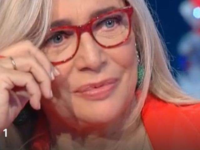 """Mara Venier telefonata a sorpresa a Storie Italiane: """"Mi sono commossa"""""""