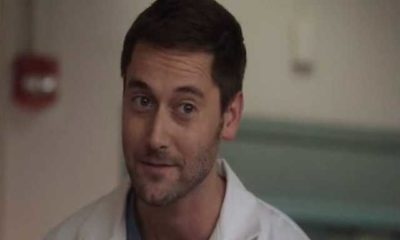 Ryan Eggold in un episodio della serie New Amsterdam