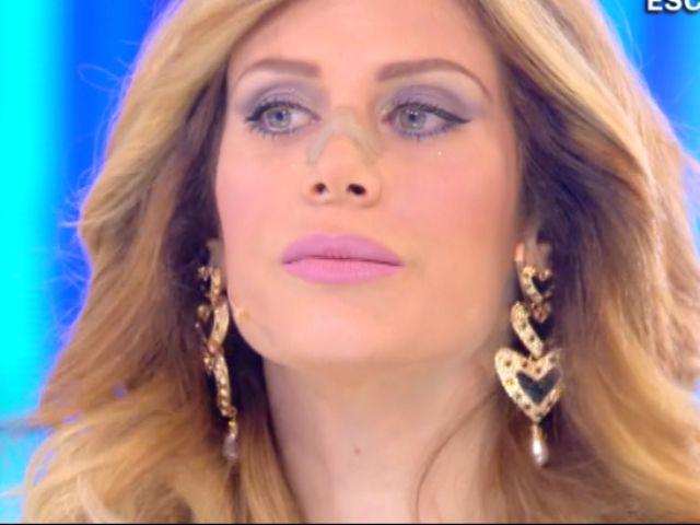 Paola Caruso, sfogo dopo Live-Non è la d'Urso: dettagli padre biologico