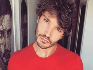 stefano de martino capodanno single