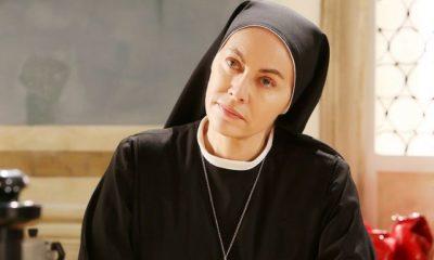 Elena Sofia Ricci è Suor Angela