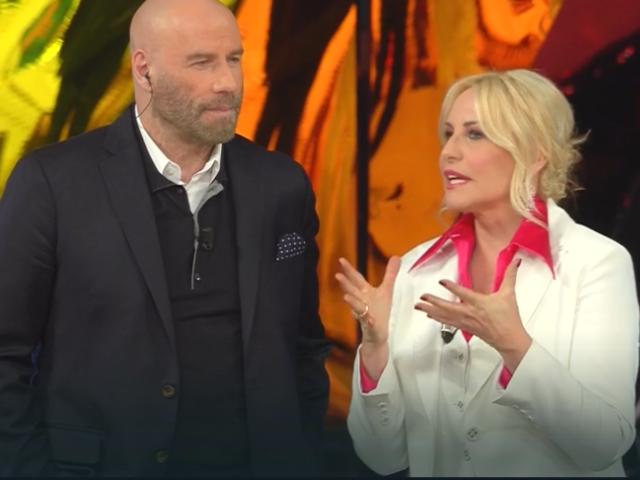 """John Travolta a Sanremo Young parla dell'incontro con Lady Diana: """"Mi sono sentito un principe"""""""