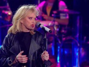 Sanremo young: dichiarzione d?amore in diretta al marito di Rita Pavone