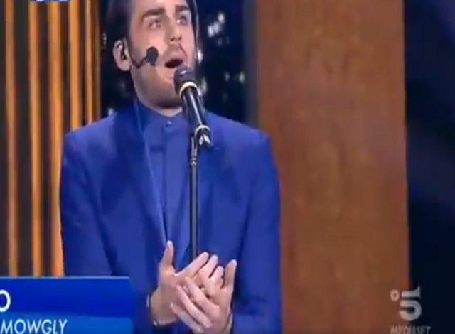 Alberto Urso in finale, il cantante si prepara a vincere: il bel gesto della Clerici