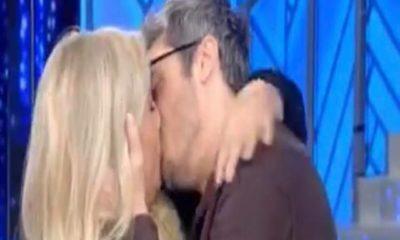 mara venier, bacio con pif