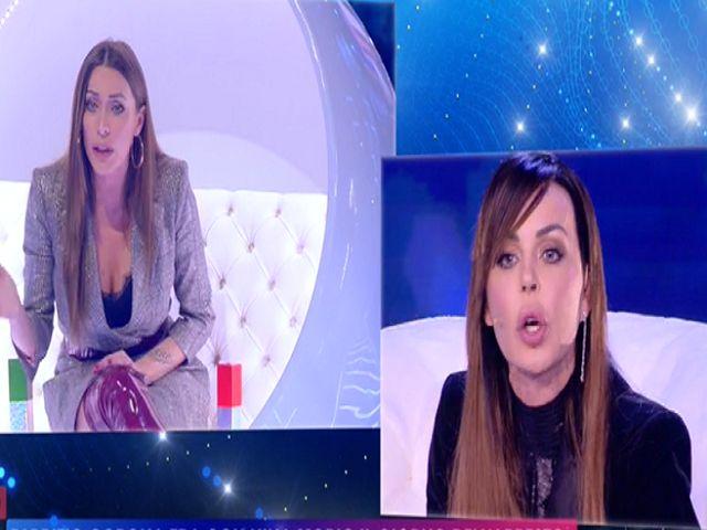 Nina Moric contro Karina: scoppia la lite a Live-Non è la d'Urso VIDEO