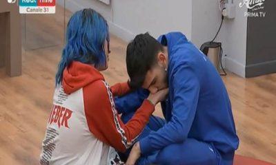 Jefeo e Ludovica piangono