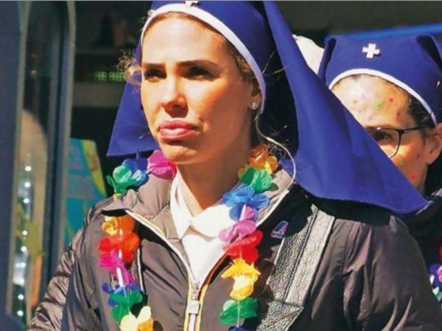 Ilary Blasi irriconoscibile in pellegrinaggio a Lourdes