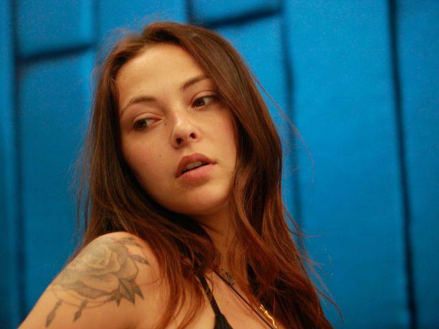 News Gf, Martina bacia Gennaro: la reazione di Francesca e Daniele