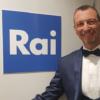 Amadeus nuovo conduttore di Sanremo 2020: il brindisi con Giovanna Civitillo e le prime anticipazioni