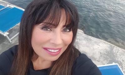 Lutto per l'astrologa di Pomeriggio 5: morta la madre di Ada ALberti