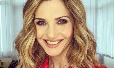 Lorella Cuccarini camicia rossa