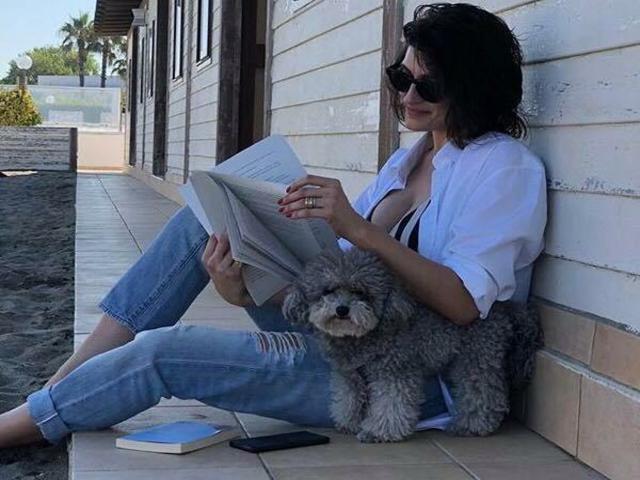 elisa isoardi con il suo cane zenit