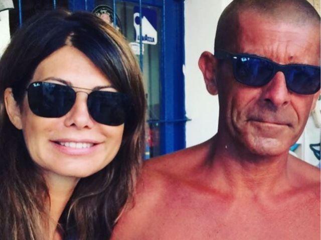 Susanna Messaggio posta una foto di Luca Laurenti e commenta il fisico prestante
