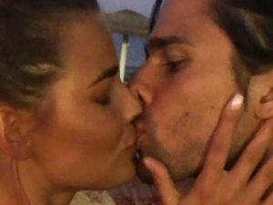 Luca Onestini Ivana Mrazova bacio foto