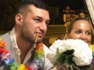 foto lorenzo e claudia insieme con bouquet