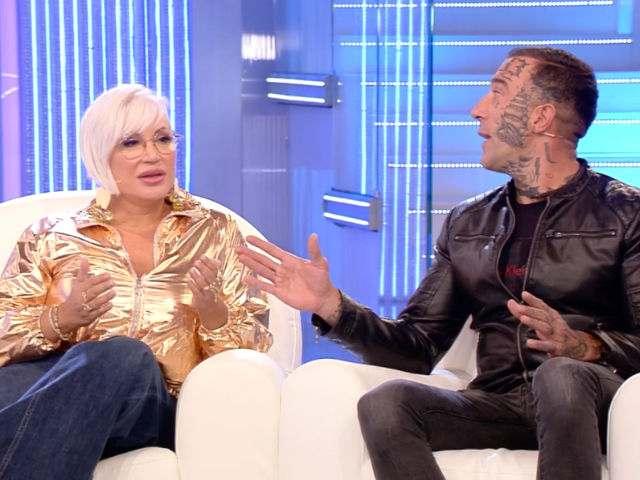 """Lucia Bramieri e Simone Coccia ripresi dalla d'Urso: """"Non fate i pagliacci"""""""