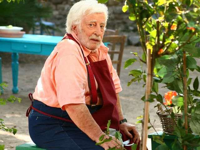 È morto Carlo Croccolo, addio all'attore di Totonno in Capri
