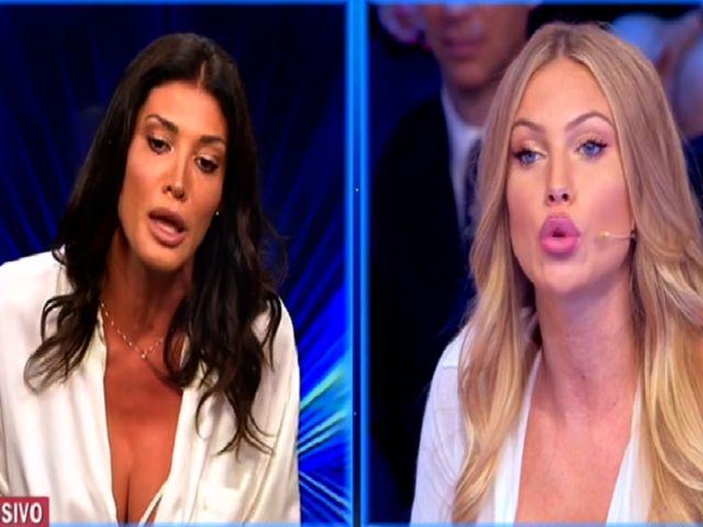 """Taylor Mega replica a Giorgia Venturini: """"Rosica perché non sono stata con lei"""""""