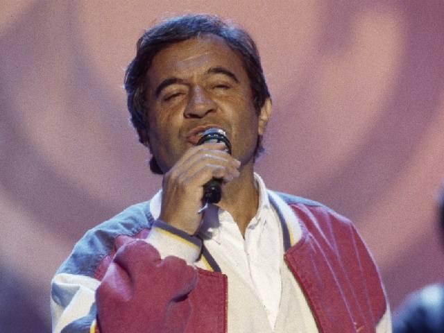 """Fred Bongusto è morto: addio al cantante di """"Una rotonda sul mare"""""""