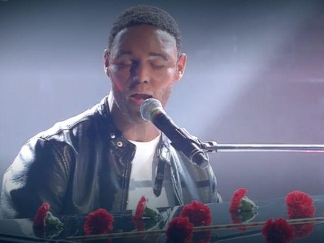 """Francesco Monte imita John Legend, Panariello: """"Devi fare il cantante"""""""