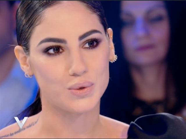 """Giulia De Lellis e il video di Damante a Verissimo. Twitter: """"Ancora sotto"""""""
