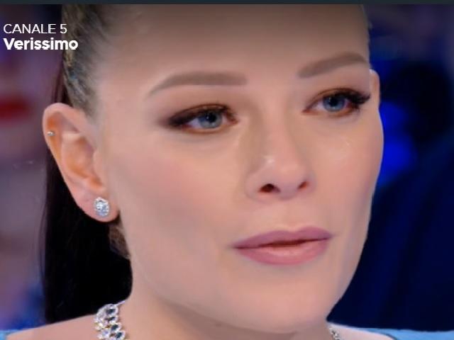 Silvia Provvedi in lacrime a Verissimo: le parole su Giulia e Corona
