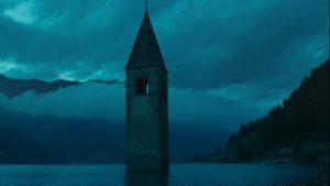 Curon serie Netflix storia campanile