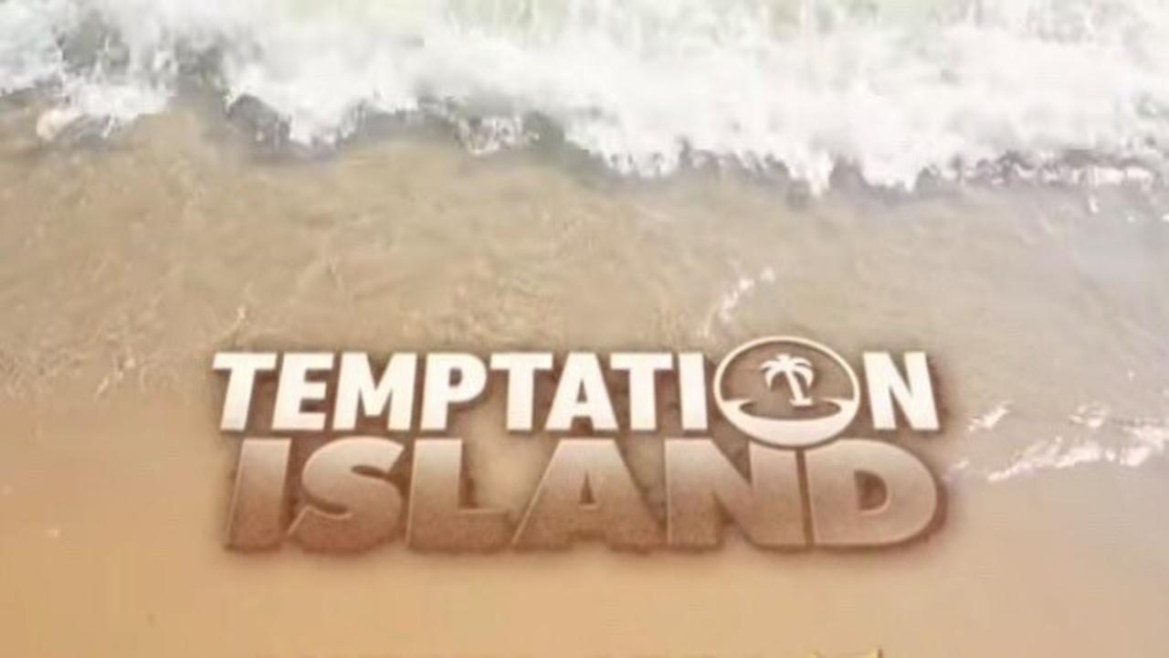 temptation island logo su spiaggia