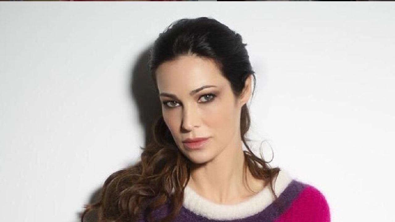 Manuela Arcuri difende Tarallo