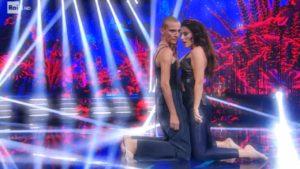 Rosalinda Celentano, il ballo con Tinna incanta tutti: Samuel Peron a rischio