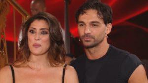 Elisa Isoardi debutta a Ballando, frecciatine sul peso: pubblico furioso