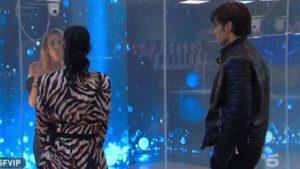 Morra tra due fuochi, scontro Dalila e Adua: domanda scomoda di Alfonso