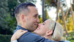 Briga e Arianna Montefiori si sposano: romantica proposta di matrimonio VIDEO