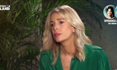 alessia marcuzzi a temptation island con camicia verde