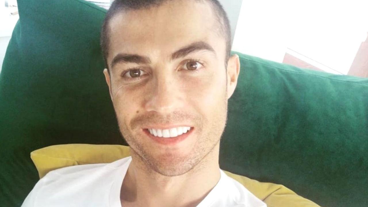 ronaldo foto divano di casa