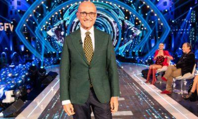 alfonso signorini completo con giacca verde