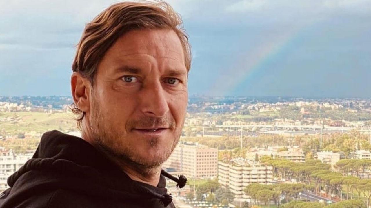 totti foto con arcobaleno