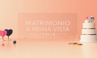 Matrimonio a prima vista scritta sfondo arancione