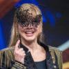 milly carlucci con maschera sugli occhi - 2021