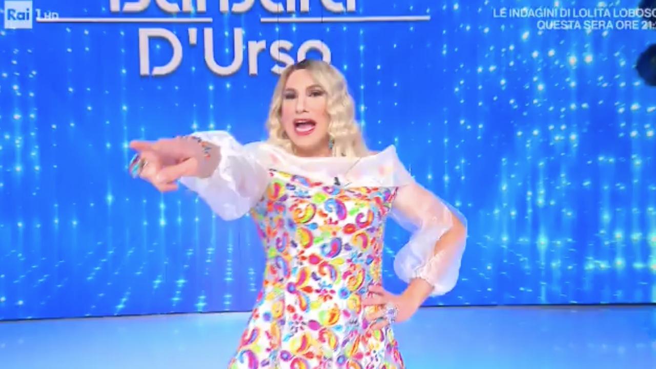 Barbara D'Urso imitazione a domenica in
