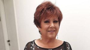 Tre volanti della polizia seguono Orietta Berti |  che è caduta nelle prove |  un Sanremo sfortunato?